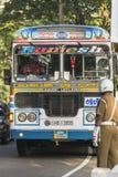 10 janvier 2014 - trafiquez sur la rue principale de Kandy Sri Lanka Photo stock