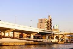 JAPÃO - 21 de abril de 2018 a paisagem considera o viewpoin do rio do sumida da vista Imagem de Stock