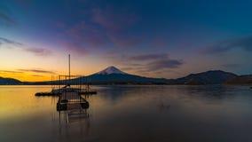 Japão e montanha do vulcão de fuji fotos de stock royalty free