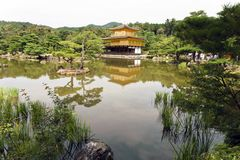 Japão, Kyoto, o Kinkakuji ou pavilhão dourado foto de stock