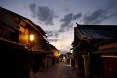 Japão, Kyoto, opinião panorâmico da cidade no por do sol imagens de stock royalty free