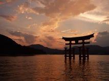 japón Miyajima El torii grande imagen de archivo