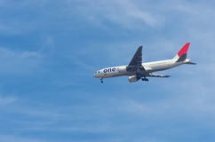 JAPAN AIRLINES Boeing 777 Photos stock
