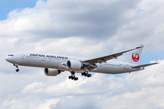 Japan Airlines Boeing 777 Royalty Free Stock Photos