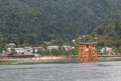 Japan: Itsukushima Shintorelikskrin Arkivbild