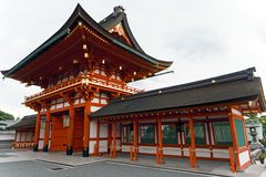 Japan, Kyoto, das Torii von Fushimi Inari Taisha, traditionelle Eingangsportale lizenzfreie stockfotografie