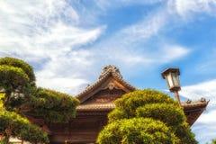 Japan Narita, tempeltakdetalj Arkivfoto