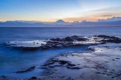 Japan seascapekustlinje och Mt fuji Arkivfoton