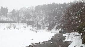 Japan Takayama tungt snöa royaltyfria foton