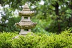 Japaneese-Garten-Statue einer Pagode Lizenzfreie Stockfotografie
