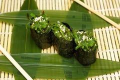 Japaneese jedzenie Ręka kulinarny suszi Zdjęcie Royalty Free
