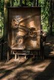 Japaner Makak-Affe, der Puzzlespiel löst Stockbild
