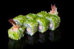 Japaner rollt mit Kaviar Stockbild