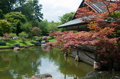 Japanese garden and house Stock Photography