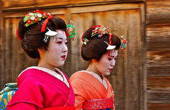 Japanese Geisha Walk Hurriedly Royalty Free Stock Images