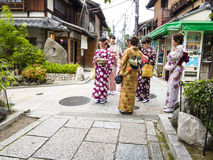 Japanese girls in kimono visiting Kyoto Royalty Free Stock Images