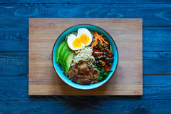 Free Japanese Noodles Bowl With Chicken, Carrots, Avocado Royalty Free Stock Photos - 78650018