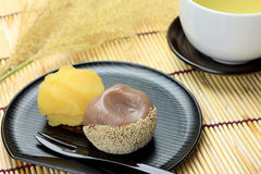 Japanese sweet and green tea Stock Photography
