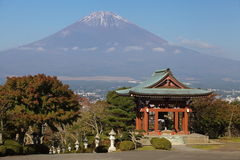 Japanese temple architecture and mountain fuji Royalty Free Stock Photo
