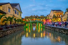 Japanische überdachte Brücke, auch genannt Lai Vien Kieu Stockfotografie