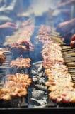 Japanische Art BBQ - Yakitori stockfoto
