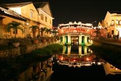 Japanische Brücke nachts in Hoi, Vietnam lizenzfreies stockfoto