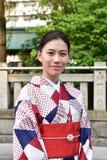 Japanische Frau, die traditionellen Japaner Yukata trägt Stockfoto