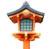 Japanische hölzerne Laterne lokalisiert Stockbilder