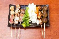 Japanische Küche grillte, Japaner aufgespießtes Fleisch, Yakitori Lizenzfreies Stockbild