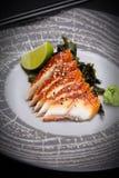 Japanische Küche Sushi auf einer runden Steinplatte Lizenzfreie Stockfotos