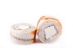 Japanische Küche, Sushi eingestellt: rollen Sie mit Aal, Frischkäse auf einem weißen Hintergrund Lizenzfreies Stockbild