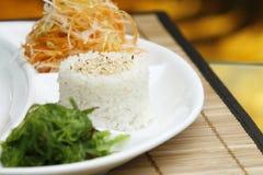 Japanische Mahlzeit an von der Gaststätte Stockbild