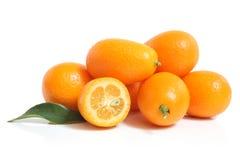 Japanische Orange mit Blatt Lizenzfreie Stockbilder