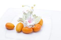 Japanische Orangen und Blume Lizenzfreies Stockfoto
