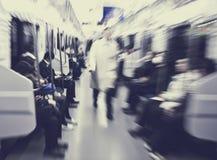 Japanische Pendler im Tokyo-Pendler-U-Bahn-Konzept Stockbild