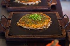 Japanische Pizza auf Ofen Stockbild