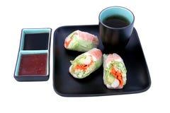 Japanische Salat-Rolle u. Soßen Stockfotografie
