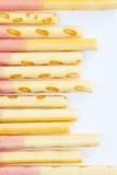 Japanische Snack-Food-Keks-Stockerdbeere beschichtet Stockbild