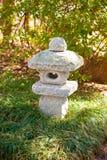 Japanische Steingartenskulptur Stockfotos