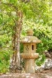 Japanische Steinlaternen-Markierung Stockfotografie