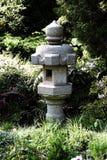 Japanische Steinpagode, die im Garten San Francisco steht Lizenzfreie Stockbilder