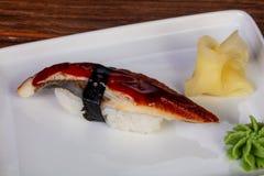 Japanische Sushi mit Aal Stockfotos