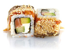 Japanische Sushi mit Aalfleisch, Lachs, Gurke, Käse Stockfotos