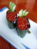 Japanische Sushi mit rotem Kaviar Lizenzfreie Stockfotografie
