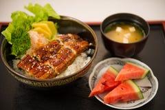 Japanischer Aal grillte mit Reis, oder Unagi ziehen an stockbild