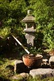 Japanischer Brunnen lizenzfreie stockfotografie