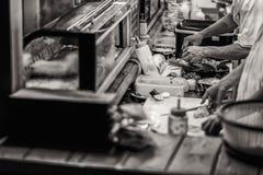 Japanischer Hauptkoch die Sushi Stockbild