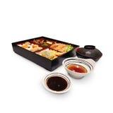 Japanischer Kasten-Mittagessen Bento-Satz Garnele Tempura im japanischen restau lizenzfreie stockbilder