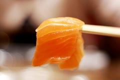 Japanischer Lebensmittellachssashimi Stockfotografie