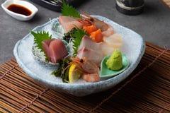 japanischer Nahrungsmittelsashimi (roher geschnittener Fisch, Schalentier oder Krebs lizenzfreies stockbild